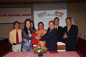 23.11.2008 - Tham quan ký kết chuyển giao UCMAS